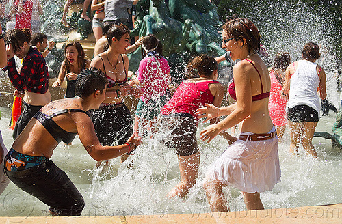water melee in fountain, basin, crowd, fontaine de l'observatoire, fountain, gay pride, luxembourg garden, mayhem, melee, men, mêlée, paris, playing, pool, splash, splashing, wading, water fight, wet, women