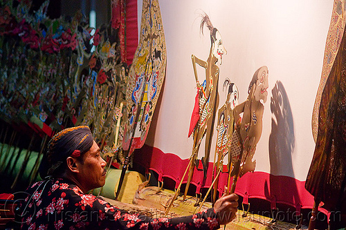 wayang kulit - shadow puppets, java, jogja, jogjakarta, man, puppeteer, shadow play, shadow puppet theatre, shadow puppetry, shadow puppets, shadow theatre, wayang kulit, yogyakarta