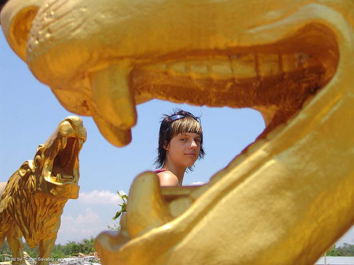 with-golden-lions - hindu park near phu ruea, west of loei (thailand) - anke-rega, anke rega, golden color, hindu, hinduism, lion, phu ruea, woman, ประเทศไทย
