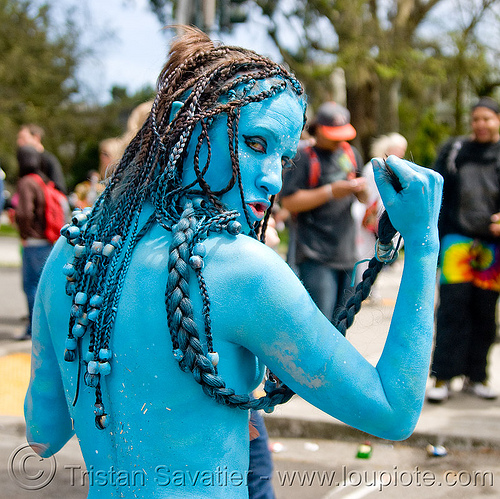 woman in avatar costume - bay to breaker footrace and street party (san francisco), avatar, bay to breakers, blue, body art, body paint, body painting, braid, braided hair, costume, footrace, hair beads, street party, woman