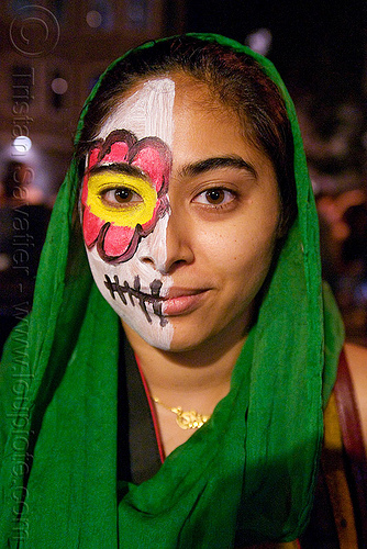 woman with half skull makeup - Día de los muertos - halloween (san francisco), day of the dead, dia de los muertos, face painting, facepaint, half face, halloween, makeup, night, woman