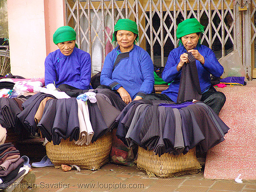 women from the giay tribe - vietnam, giay tribe, hill tribes, indigenous, lai cai