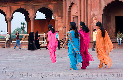 women in jama masjid mosque - delhi (india), delhi, india, islam, jama masjid, mosque, women, مسجد جھان نما