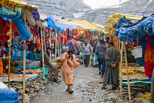 yatri (pilgrims) and souvenirs shops in tent village - amarnath yatra (pilgrimage) - kashmir, amarnath yatra, kashmir, mountains, pilgrim, pilgrimage, shops, souvenirs, tents, trekking, yatris, अमरनाथ गुफा