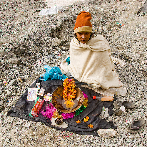 young sadhu (hindu holy man) - amarnath yatra (pilgrimage) - kashmir, baba, cap, child, hinduism, kid, people, pilgrim, trekking, yatris, अमरनाथ गुफा