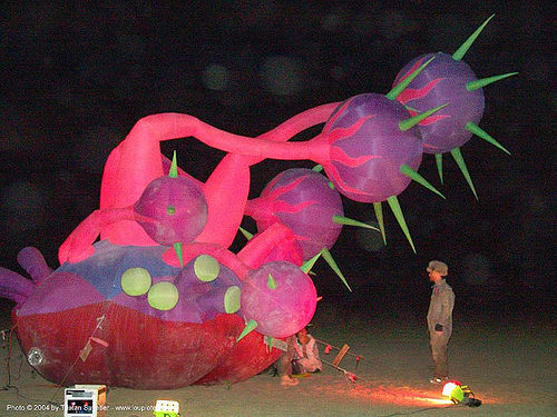 2004 - burning-man, art installation, burning man, designs in air, inflatable art, luke egan, night, pete hamilton, starmageddon, zero gravity