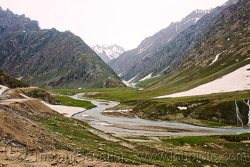 zojila pass - drass river - drass valley - leh to srinagar road - kashmir, dras valley, drass river, drass valley, india, kashmir, mountains, river bed, snow, zoji la, zoji pass, zojila pass