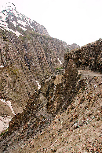 zojila pass - drass valley - leh to srinagar road - kashmir, dras valley, drass valley, kashmir, mountain pass, mountains, road, zoji la, zoji pass, zojila pass