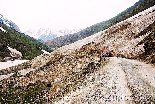 zojila pass - truck - old snow - drass valley - leh to srinagar road - kashmir, dras valley, mountains, zoji, zoji la, zoji pass