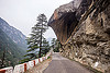 overhanging rock on mountain road to gangotri (india), bhagirathi valley, boulder, mountain road, mountains, overhanging rock